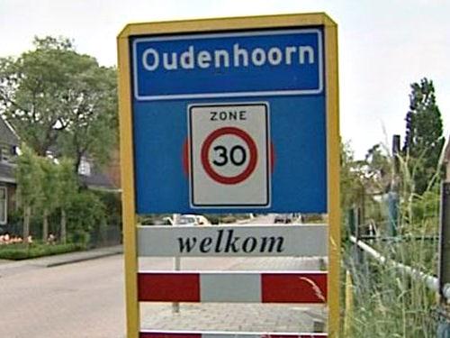 2017 - 1 november was een heugelijke dag voor de grenscorrectie van Oudenhoorn. De Statencommissie boog zich hierover en was unaniem in haar oordeel deze zaak als hamerstuk in te brengen in de Statenvergadering van volgende week.