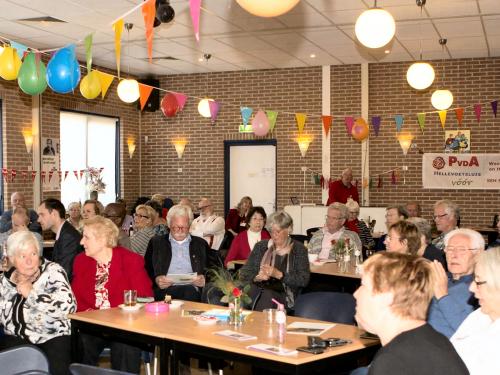 2016 – 1 mei viering. Het was gezellig druk in de Woelhoek waar PvdA Voorne en PvdA Nissewaard samen de Dag van de Arbeid vierden....